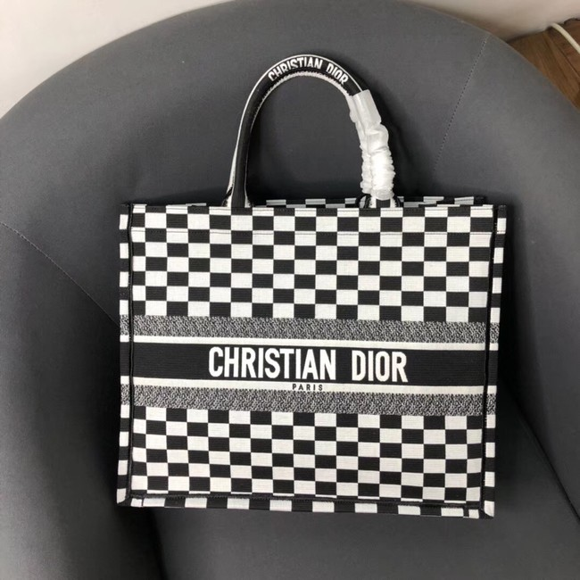 DIOR BOOK TOTE BAG IN BLACK AND WHITE EMBROIDERED CANVAS M1286