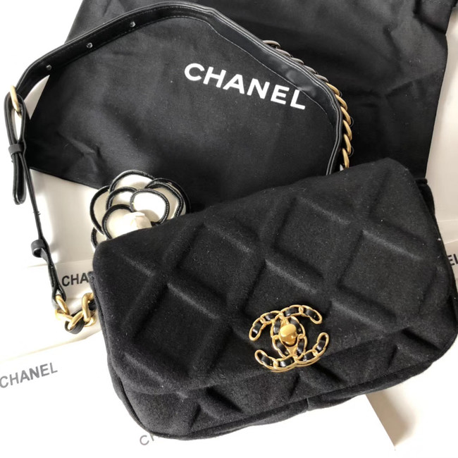 Chanel 19 Bodypack AS1163 black