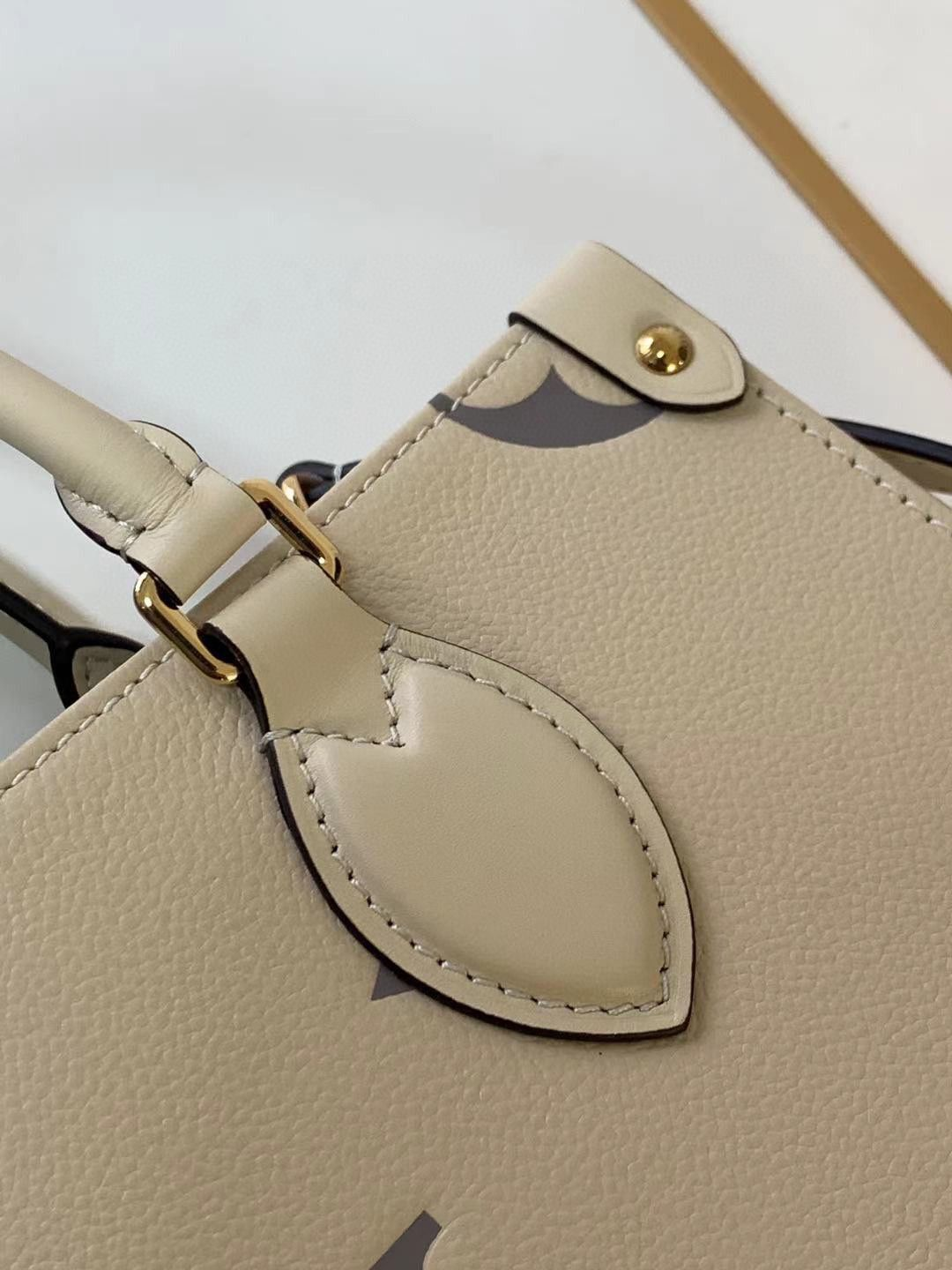 Louis Vuitton Original Onthego small tote bag M45653 cream